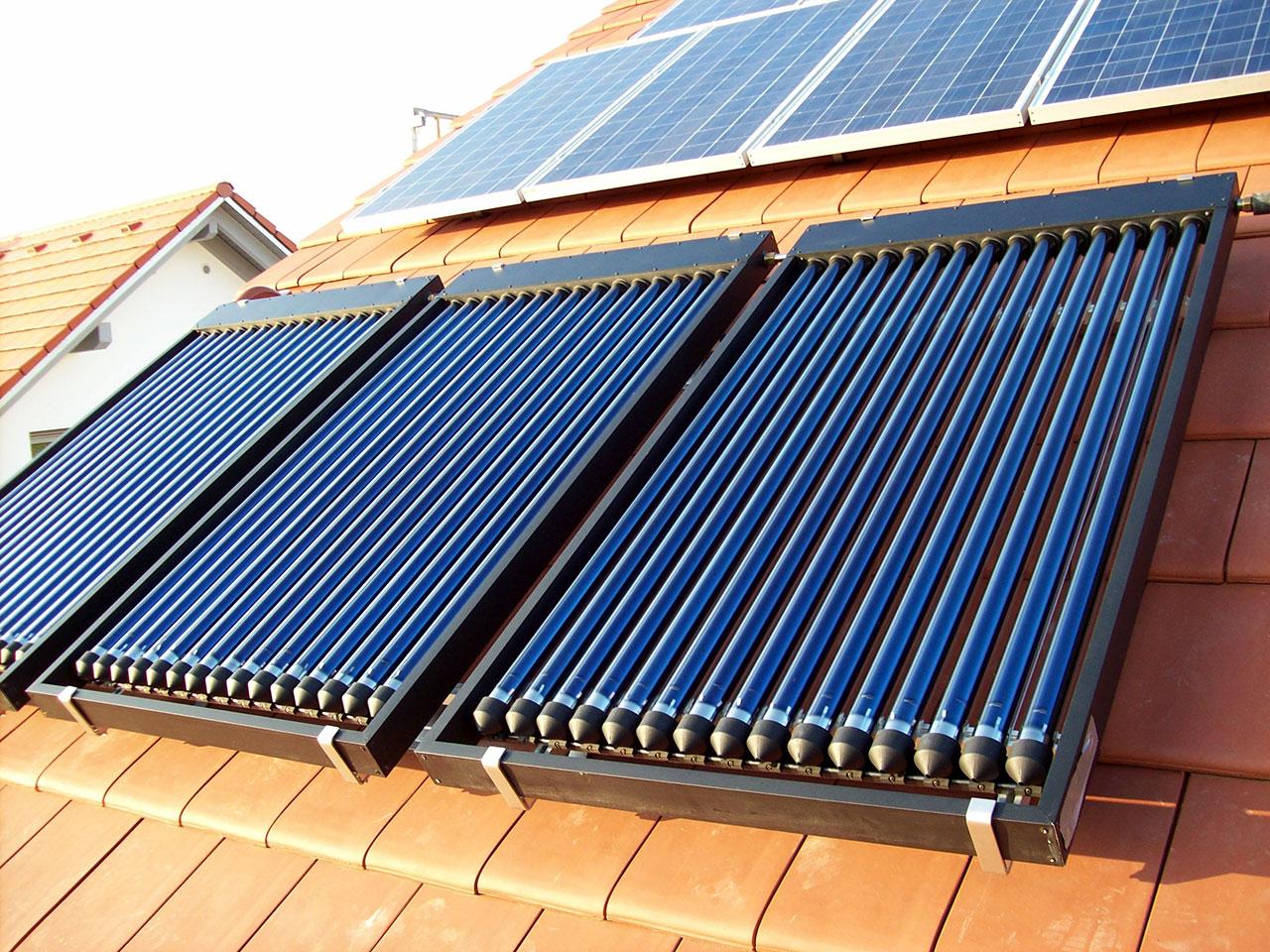 Thermische Solaranlage Röhrenkollektor